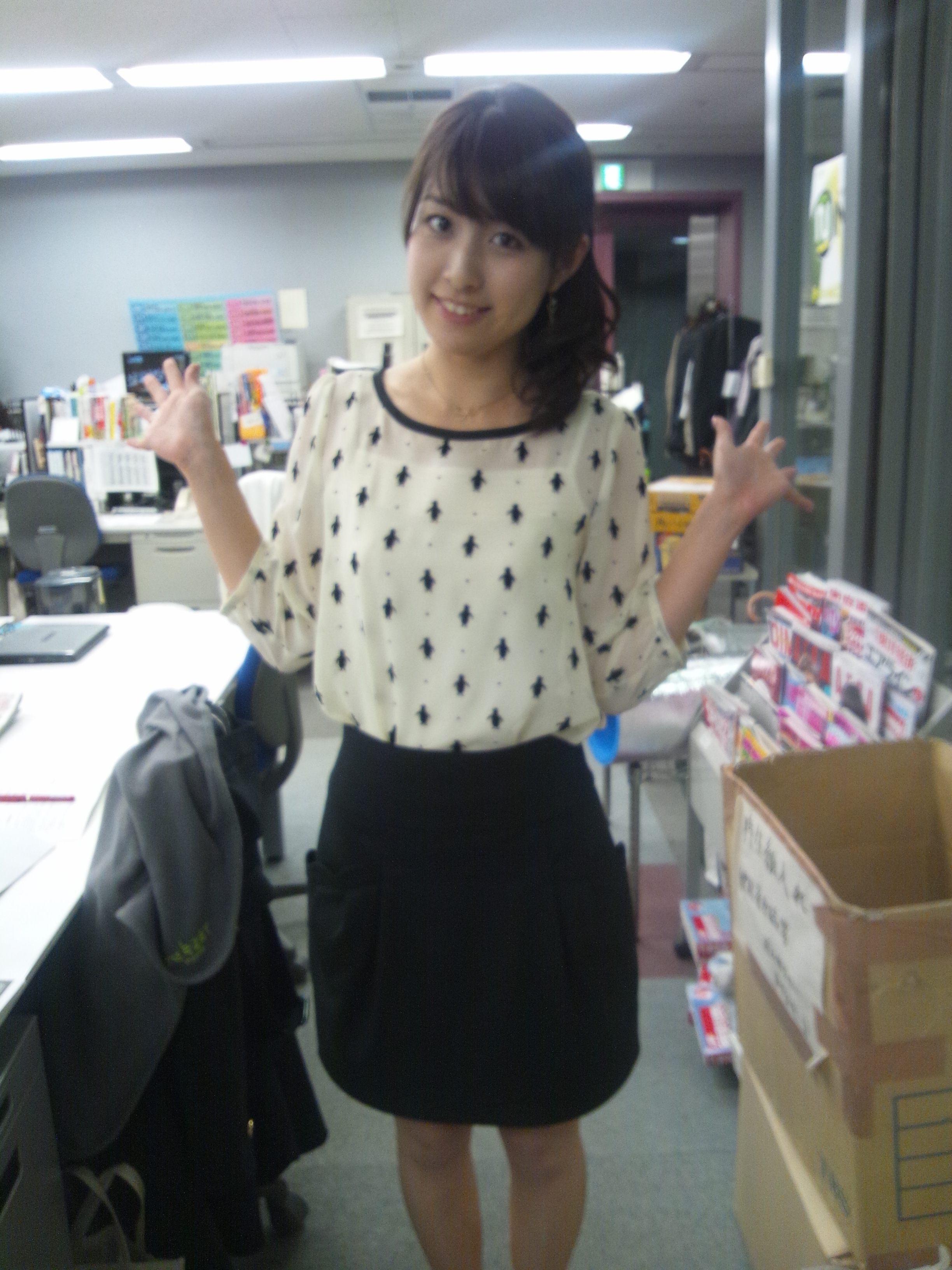 可愛い洋服を着た佐藤渚